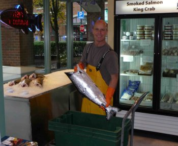 Malcolm_and_the_Fish_Inlet_seafoods